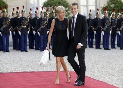 ماكرون وزوجته بريجيت