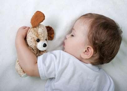نوم طفلك مبكراً يخفض من خطر الاصابة بالسمنة