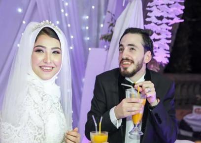 الشاعر محمد إبراهيم وزوجته أيه