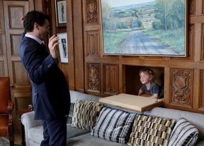 رئيس الوزراء الكندي وابنه