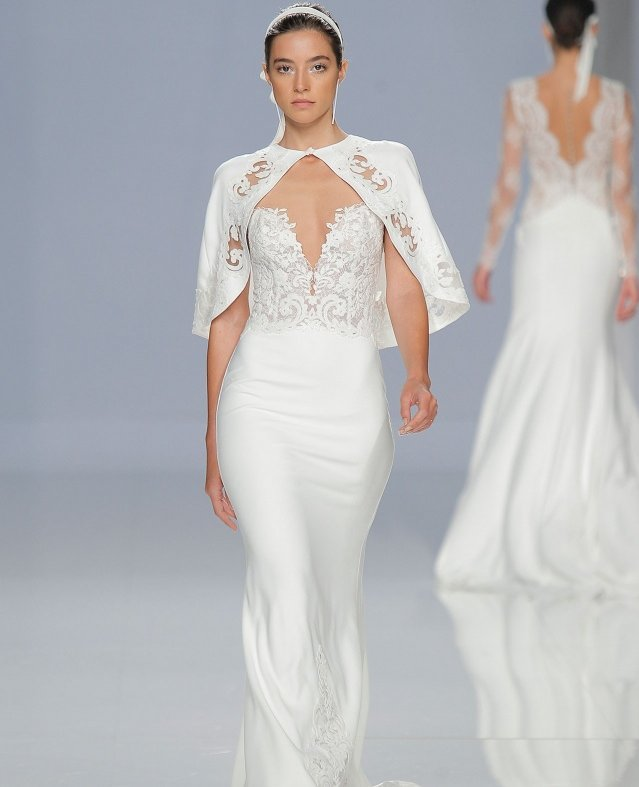 """مجموعة """"روزا كلارا"""" لفساتين الزفاف"""