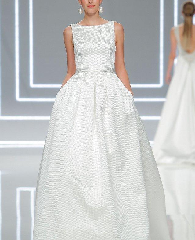 """أحدث فساتين الزفاف من مجموعة """"روزا كلارا"""" لعام 2018"""