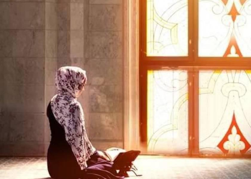 ما حكم أداء الصلاة التي دخل وقتها بعد الطهارة من الحيض؟