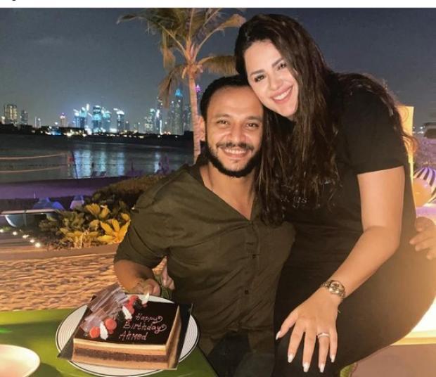 هنادي مهنا تحتفل بعيد ميلاد زوجها في شهر العسل: صديقي المفضل وابني الأول